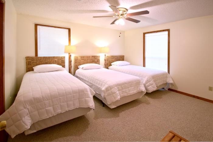 Dowden Rentals - Edgewater Lodge
