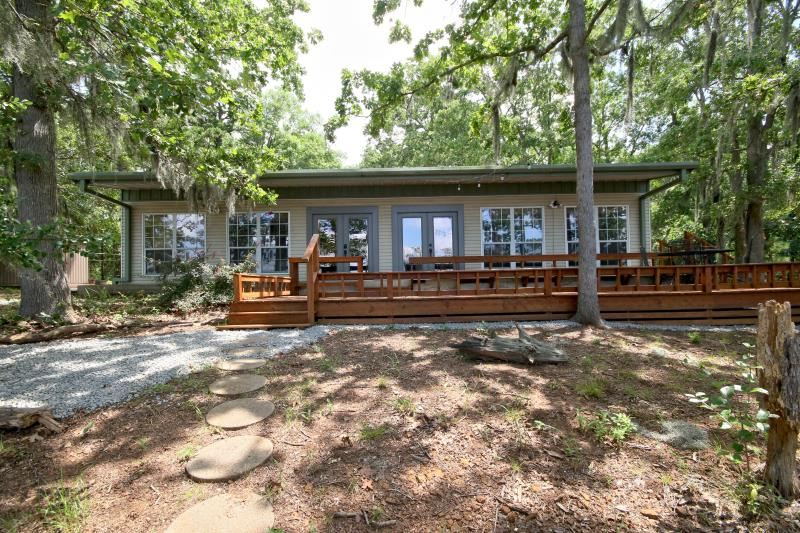 Brinkley's Place – 2 BR / 2 Baths – Reference #00274…